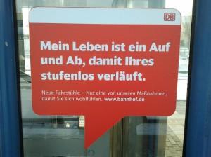 DB. Mein Leben ist ein Auf und Ab, damit Ihres stufenlos verläuft. Neue Fahrstühle - Nur eine von unseren Maßnahmen, damit Sie sich wohlfühlen. www.bahnhof.de
